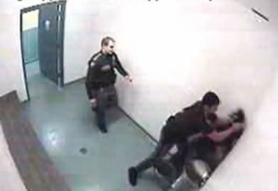 PHOTO: Seattle cop teen beaten caught on tape