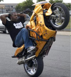 Video: G Unit Riderz at 'King of the South' in Tennessee (Crazy Motorcycle Stunts)