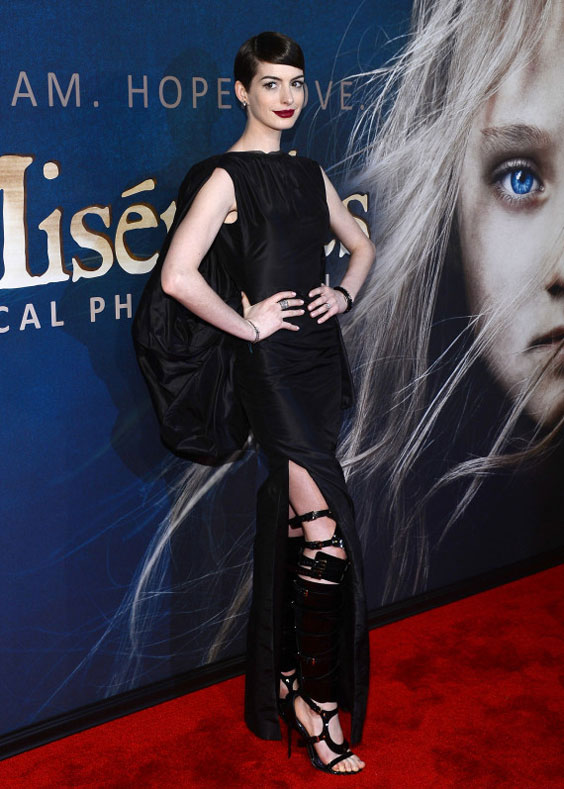Photo of Anne Hathaway in sexy dress at Les Miserables' premiere in NYC