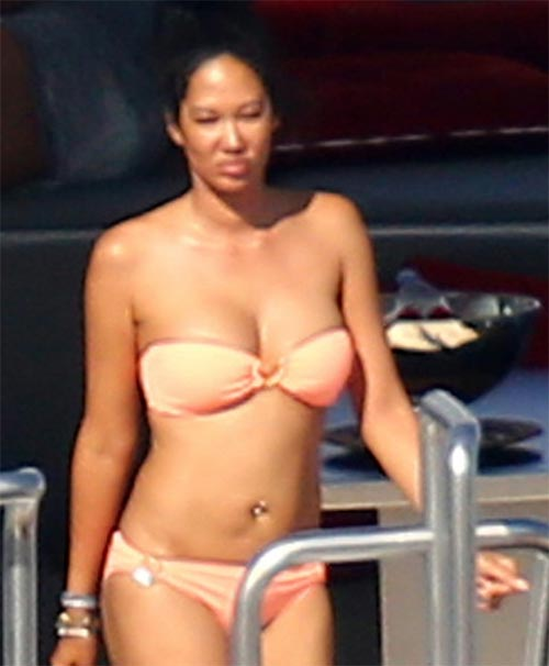 Kimora Lee on yacht in bikini in St Topez