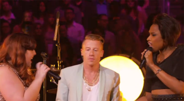 Mackelmore on stage with Mary Lambert and Jennifer Hudson - Same Love (VMA)