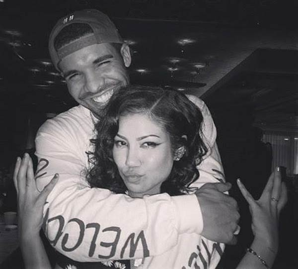 Picture of Drake and Jhene Aiko hugging