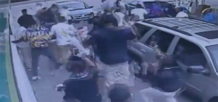 mob attack memphis gas station BP