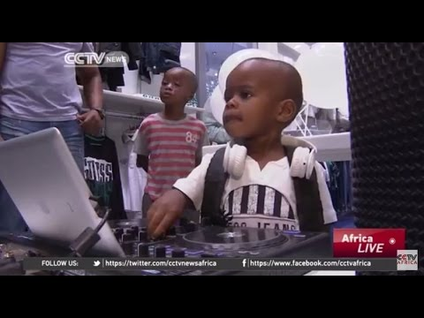Watch the Amazing TWO-YEAR-OLD DJ 'AJ' That Spins Like a Pro & Got the Internet Going NUTS!