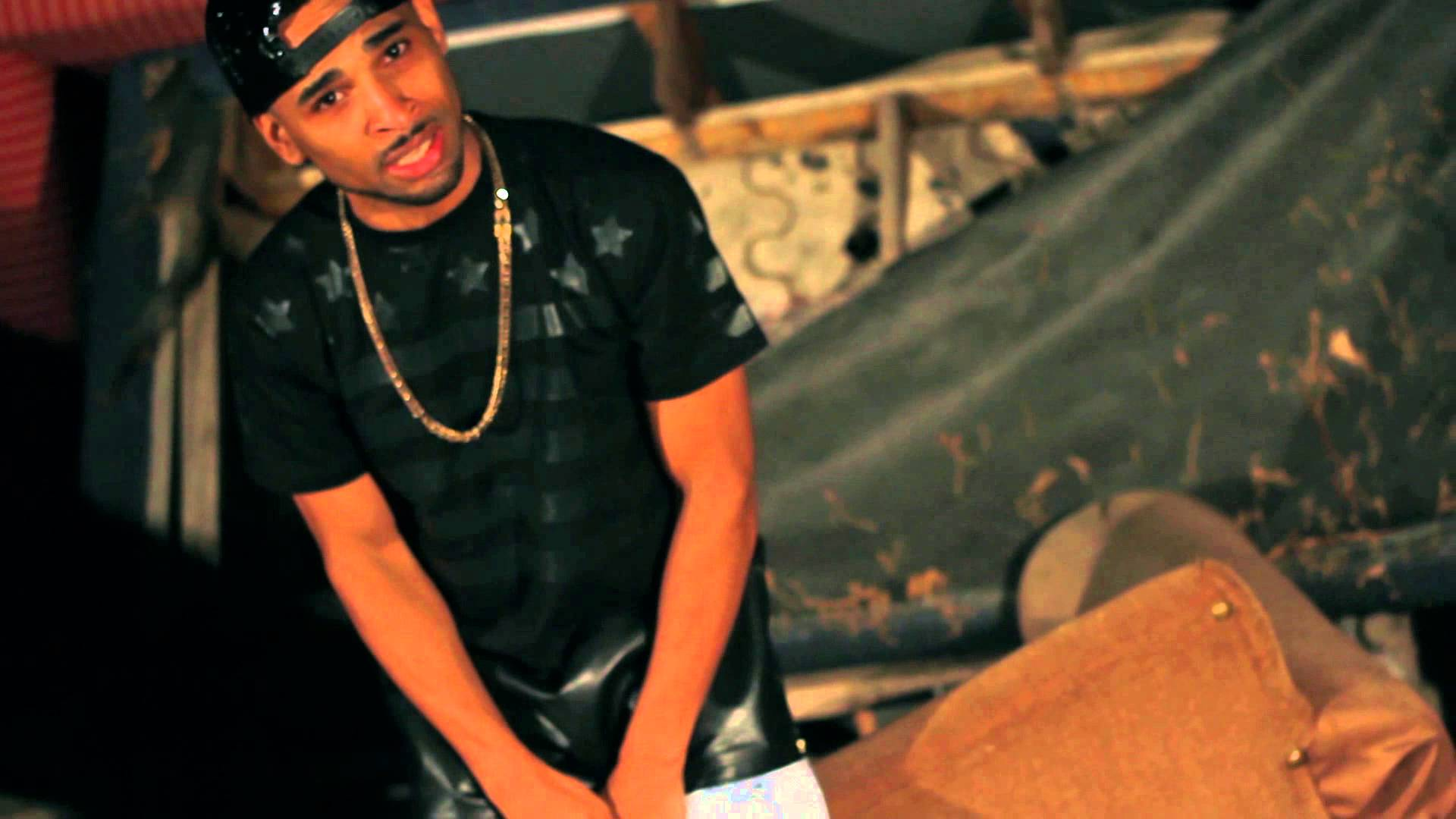 Tone Yates – A Little More (Music Video)