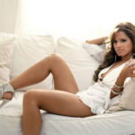 PHOTO: Rocsi sexy legs picture on couch