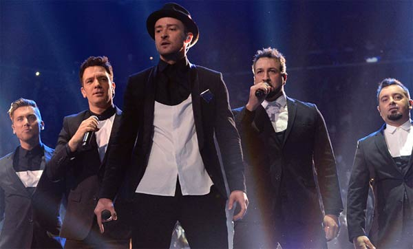 Justin Timberlake joined by N Sync in performance at 2013 VMA's
