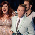 Macklemore, Ryan Lewis and Mary Lambert Wins VMA Moonman