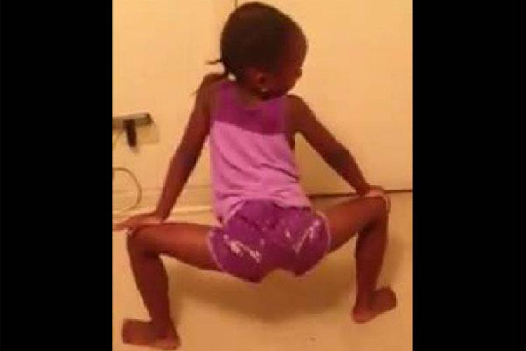 5 to 8 yr old Little Girl Twerkin On Facebook To Ciara