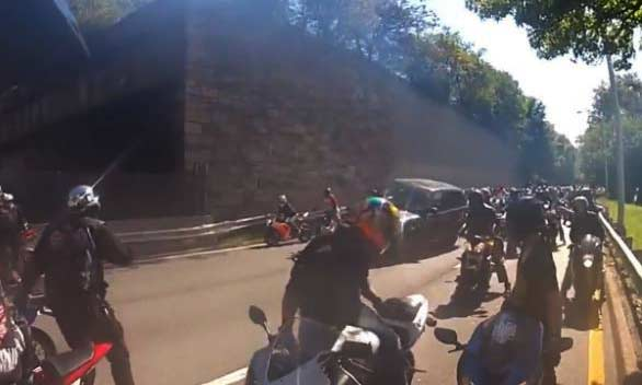 Alexian Lien cornered by group of motorcycle riders after bumping one of them